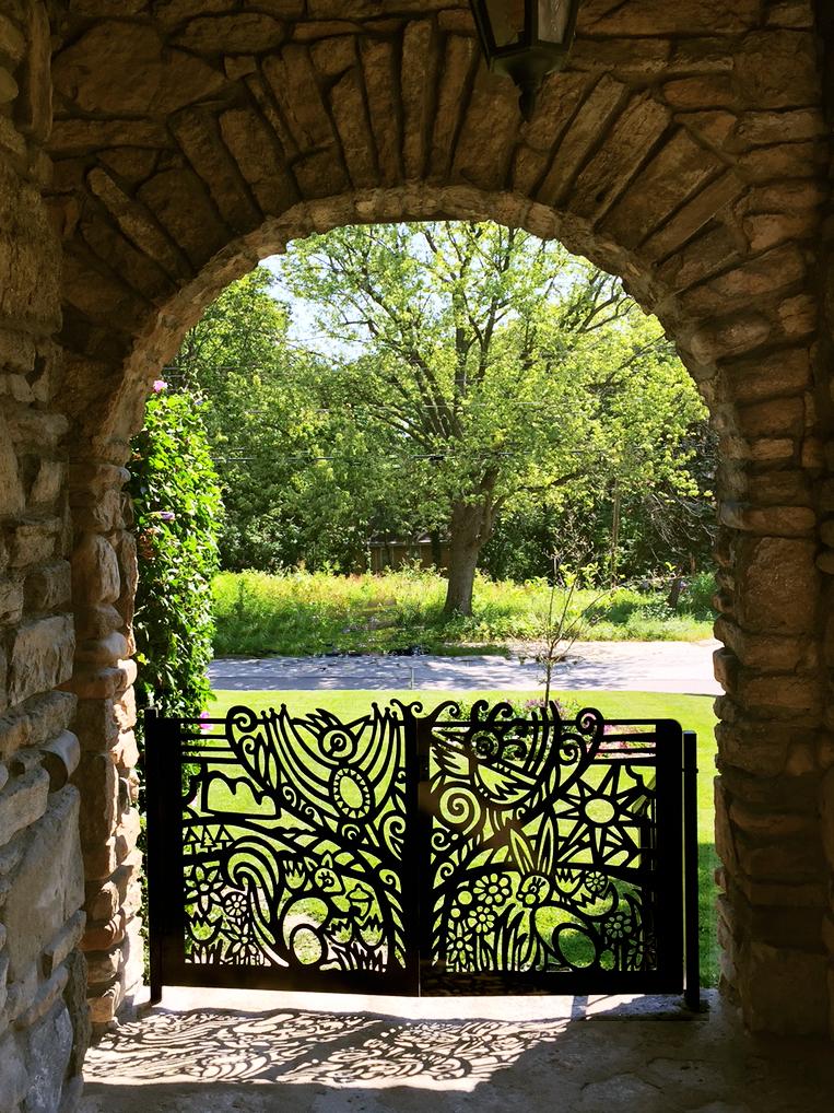 bifold gate 1